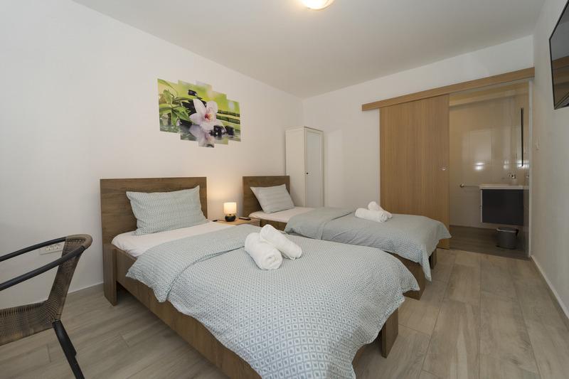 Room VL-125