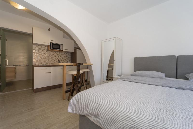 Studio Apartman VL-130