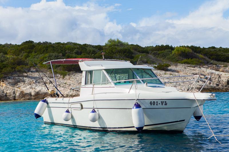 Speed boat Jeanneau Marry Fisher 700