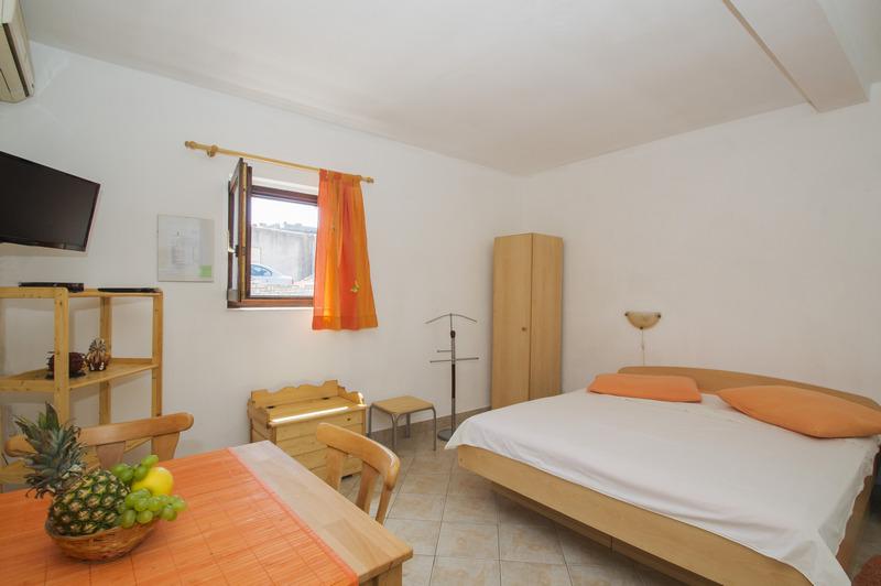 Studio Apartment VL-028