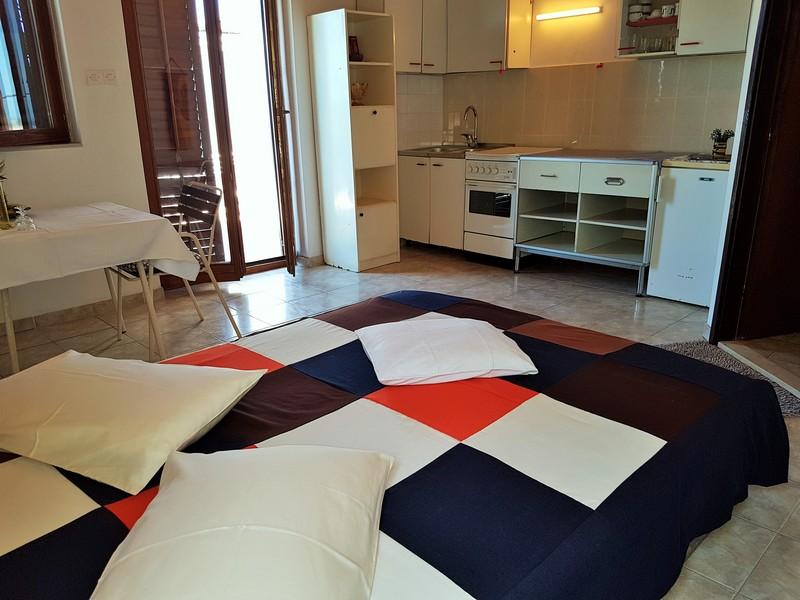 Studio Apartment VL-076