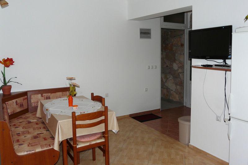Studio Apartment BL-081