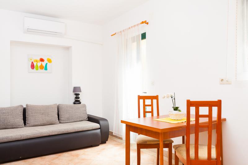 Studio Apartment VL-096