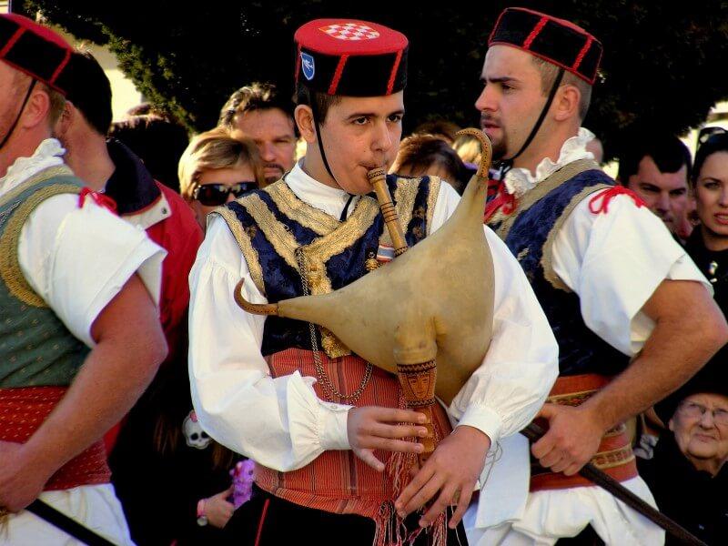Kumpanija and Moreška - Sword dance